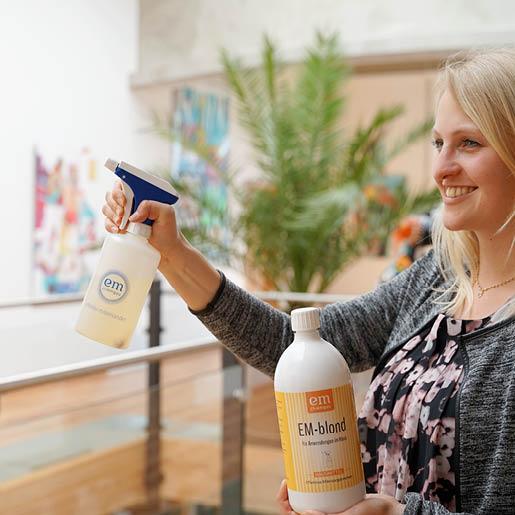 EM-blond-Raumklima-Effektive-Mikroorganismen-Probiotische-Reinigung