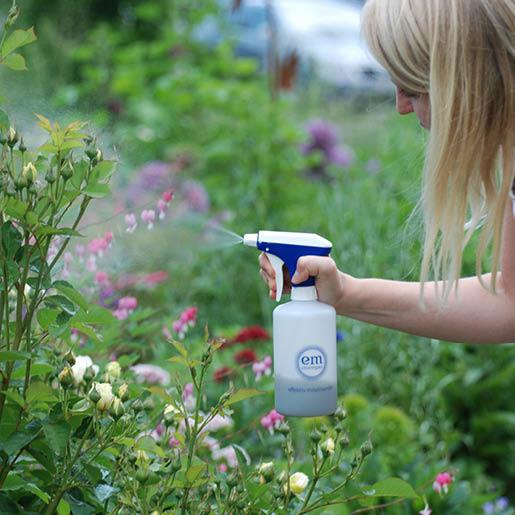 EM-Bio-Cocktail-Garten-Effektive-Mikroorganismen-Pflanzenstärkung