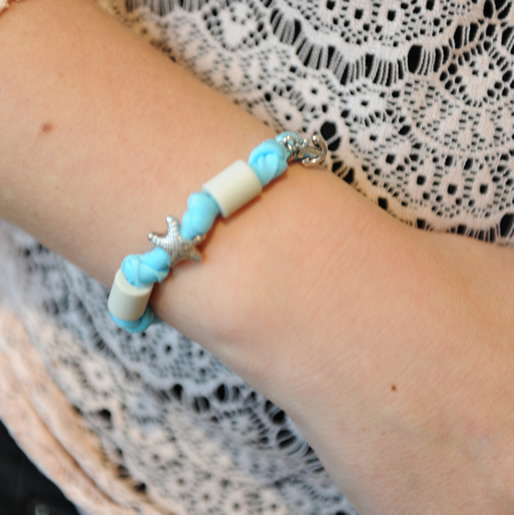 EM-Lastik Armband-getragen