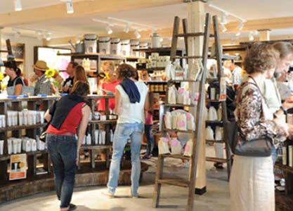 Ausführliche Beratung zu nachhaltigen Produkten in Stephanskirchen